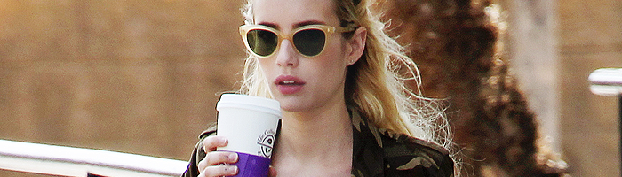 Emma va chercher son café à West Hollywood